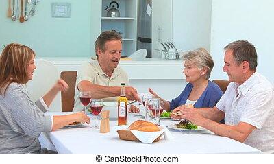 amis, couples, avoir déjeuner, ensemble