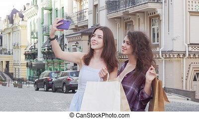 amis, femme, prendre, agréable, téléphone, intelligent, après, selfies, achats