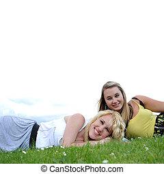 amis, girl, herbe, pose, deux
