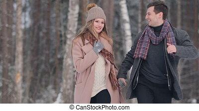 amour, couple, avoir, fun., heureux, outdoors., hiver, jeune, parc, famille