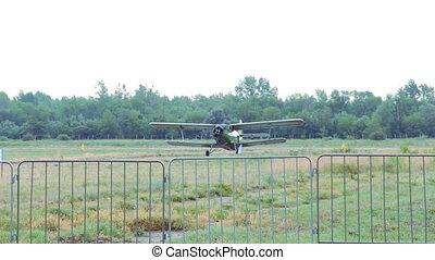 an-2, biplan, vieux