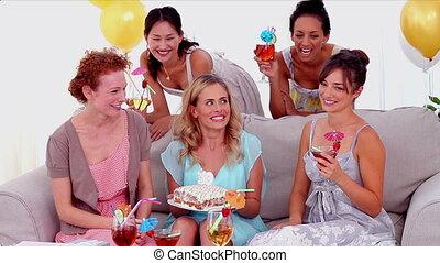 anniversaire, cand, dehors, souffler, femme