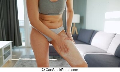 anti-cellulite, self-massage, elle, jambe, crème, femme, smears