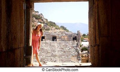 antiquité, marche, femme, théâtre, joli