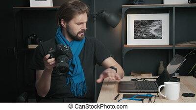 appareil photo, fonctionnement, homme mûr, studio, ordinateur portable, photo