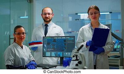 appareil photo, scientifique, professionnel, regarder, personnel médical