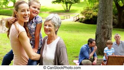 appareil photo, sourire, générations, femmes