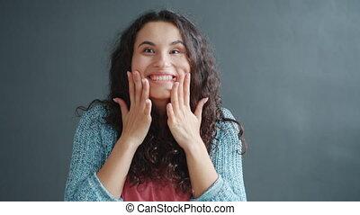 applaudir, sentiment, rire, surpris, mains, girl, lent, heureux, mouvement