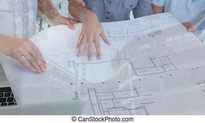 architectes, modèles, site, discuter, construction