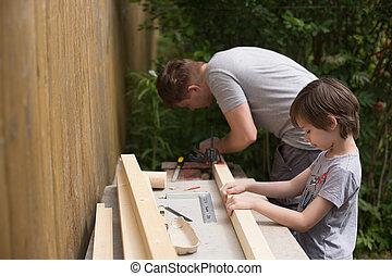 arrière-cour, sien, bricolage, aider, père, garçon, activités, countryhouse