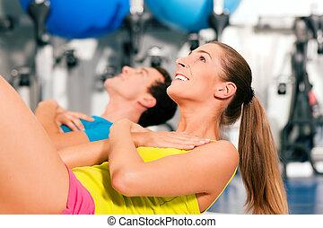 assied-augmente, gymnase, fitness
