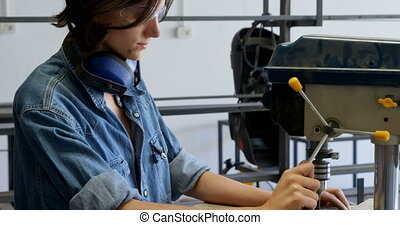 atelier, charpentier, machine, utilisation, foret, 4k, vertical