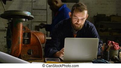 atelier, ordinateur portable, utilisation, metalsmith, 4k