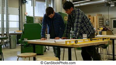 atelier, plan, charpentiers, discuter, 4k