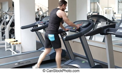 athlétique, crise, sport, tapis roulant, homme, gymnase, course, commencer