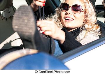 attachement, elle, chauffeur, jeune, femme, dentelles, blonds
