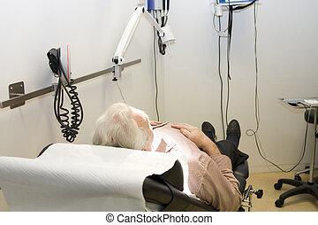 attendre mâle, patient, traitement