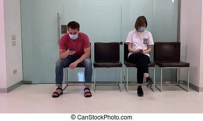 attente, docteur, gens, jeune, rendez-vous, hospital., file, masques, séance, monde médical