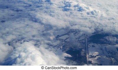 au-dessus, sur, voler, méditerranéen, nuages, surface, neige, cumulus, par, fenêtre., mer, earth's, couvert, avion, clouds., projection, cirrus, vue