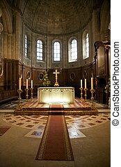 autel, éclairé