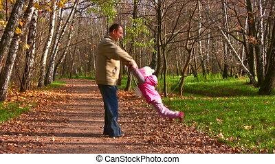 automne, enfant, tourner, parc, grand-père
