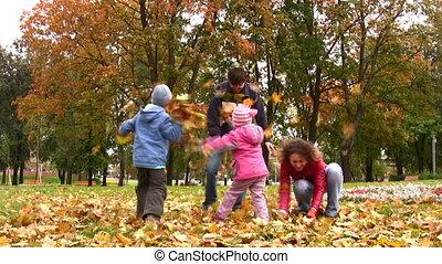 automne, quatre, feuilles, jeter, famille