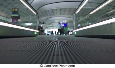 bâtiment, centre commercial, professionnels, mall., moderne, travolator, haut, aéroport, caillebotis mobile, intérieur, fin, ou, transportation.