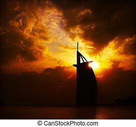 bâtiment, coucher soleil, dramatique, silhouette