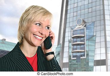 bâtiment, femme, téléphone, moderne, verre, blonds