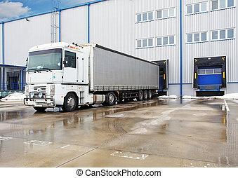 bâtiment, récipient, camions, grand, entrepôt, déchargement