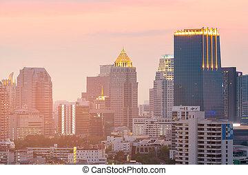 bâtiment, ville, bureau, en ville, nuit, cityscape
