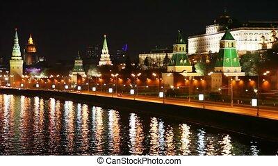 bâtiment, ville, tours, voitures, kremlin, rivière, moscou