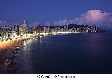 bâtiments, highrise, benidorm, nuit, long, plage, espagne