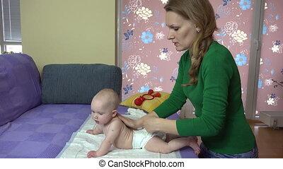 bébé, femme, masage
