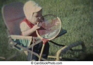 bébé, mâche, raquette, garçon, badminton