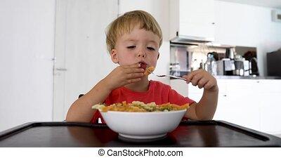 bébé, maison, spaghetti, manger, enfant