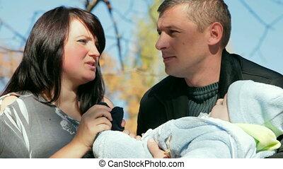 bébé, parents, heureux