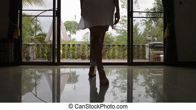 balcon, dehors, dos, matin, aller, terrasse, vue, tropique, girl, vue, ouvert, arrière, forêt