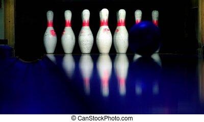 balle, skittles, lit, battements, closeup, sombre, bowling, rouleaux, vue