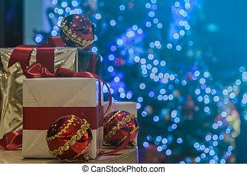balles, éclairé, cadeau, arbre, boîtes, table, noël, rouges