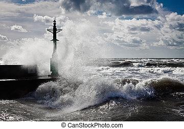 baltique, lanterne orage