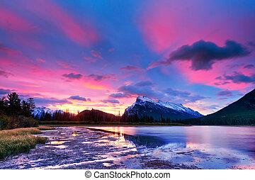 banff parc national, vermillon, lacs, coucher soleil, au-dessus