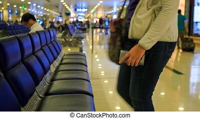 bas, attente, banc, terminal, aéroport, blonds, girl, assied
