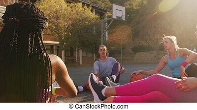basket-ball, étirage, équipe, divers, vêtements de sport, porter, femme