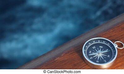 bateau, en mouvement, mer, compas