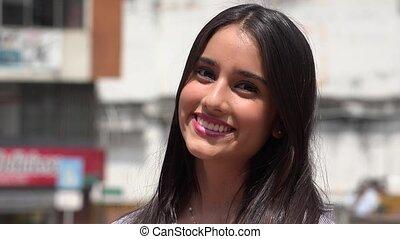 beau, adolescent, fille souriante