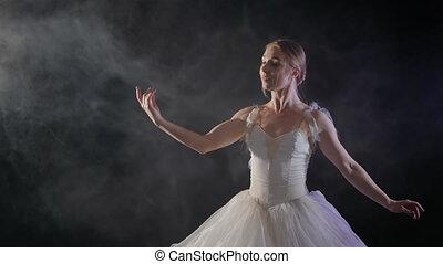 beau, ballerine, ballet, lent, motion., classique, danse, tutu, moderne, fond foncé, fumée noire, lumière, éléments, robe blanche, ou, sensuelles