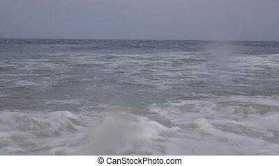 beau, bleu, géant, lent, océan, motion:, vague, briser