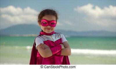 beau, bleu, peu, concept, superhero, fond, habillé, hero., ciel, manteau, clouds., déguisement, rose, mer, childhood., jeux, girl, masque, heureux
