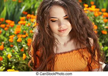 beau, brunette, hairstyle., beauté, sain, hair., long, ondulé, portrait., dehors, woman.